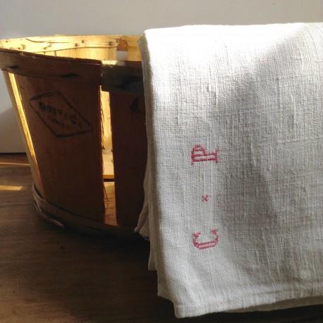 Grand Drap Ancien en Coton Brodé du XIXème siècle