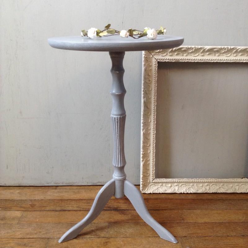 table gu ridon tripode ancien en bois patin bleu gris fin xix me. Black Bedroom Furniture Sets. Home Design Ideas