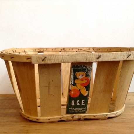 cageot cagette ancien de maraicher en bois avec etiquette d 39 origine. Black Bedroom Furniture Sets. Home Design Ideas