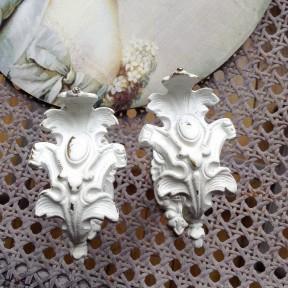 Paire de Porte-embrasse Patinée Blanc Antique