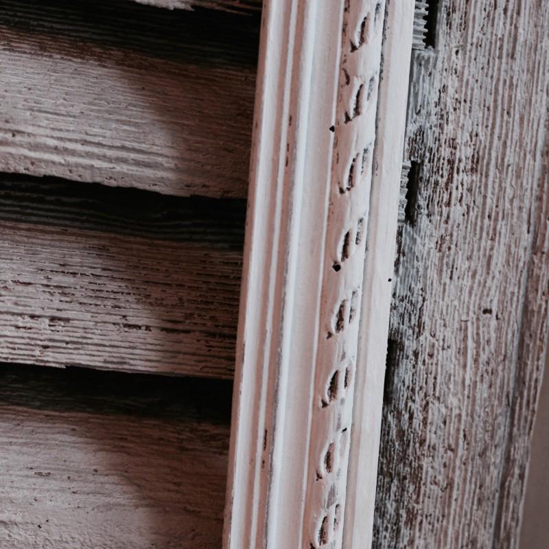 cadre ancien en bois sculpt moulures poque xix me 1900 patine blanc. Black Bedroom Furniture Sets. Home Design Ideas