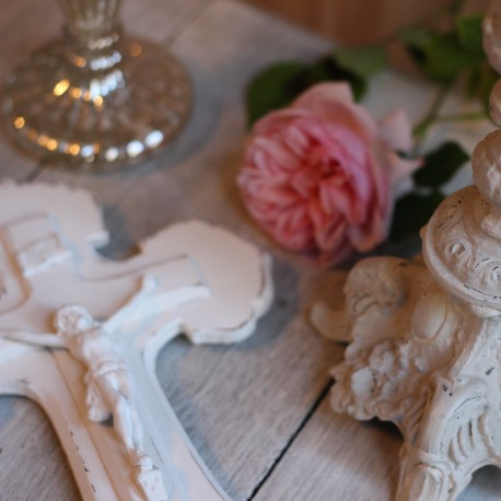 Crucifix Patiné Blanc