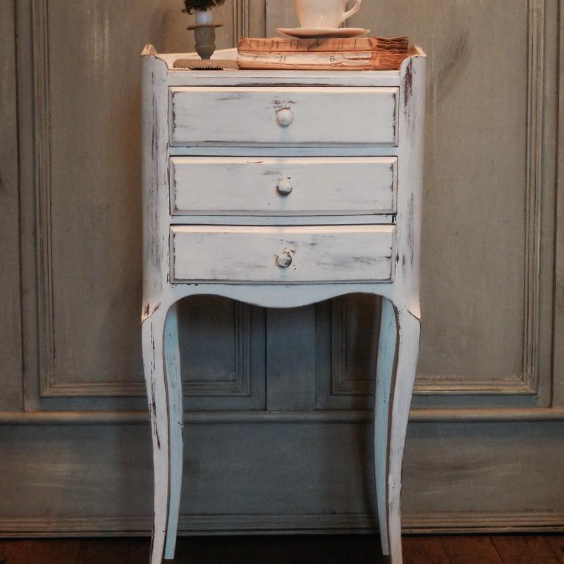chevet style louis xvi trois tiroirs patine l 39 ancienne. Black Bedroom Furniture Sets. Home Design Ideas