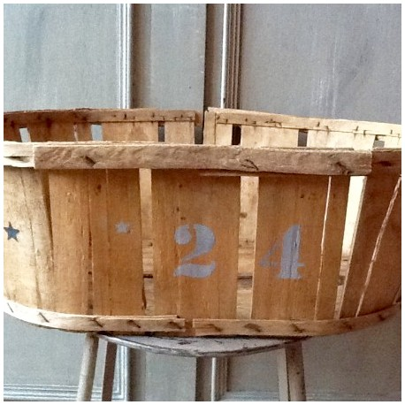 cageot cagette ancien de maraicher en bois naturel pochoir noir et gris orage. Black Bedroom Furniture Sets. Home Design Ideas