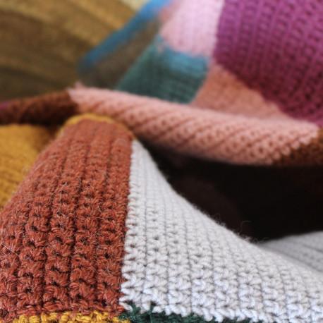 plaid couvre lit couverture en crochet granny square 1970 vintage. Black Bedroom Furniture Sets. Home Design Ideas