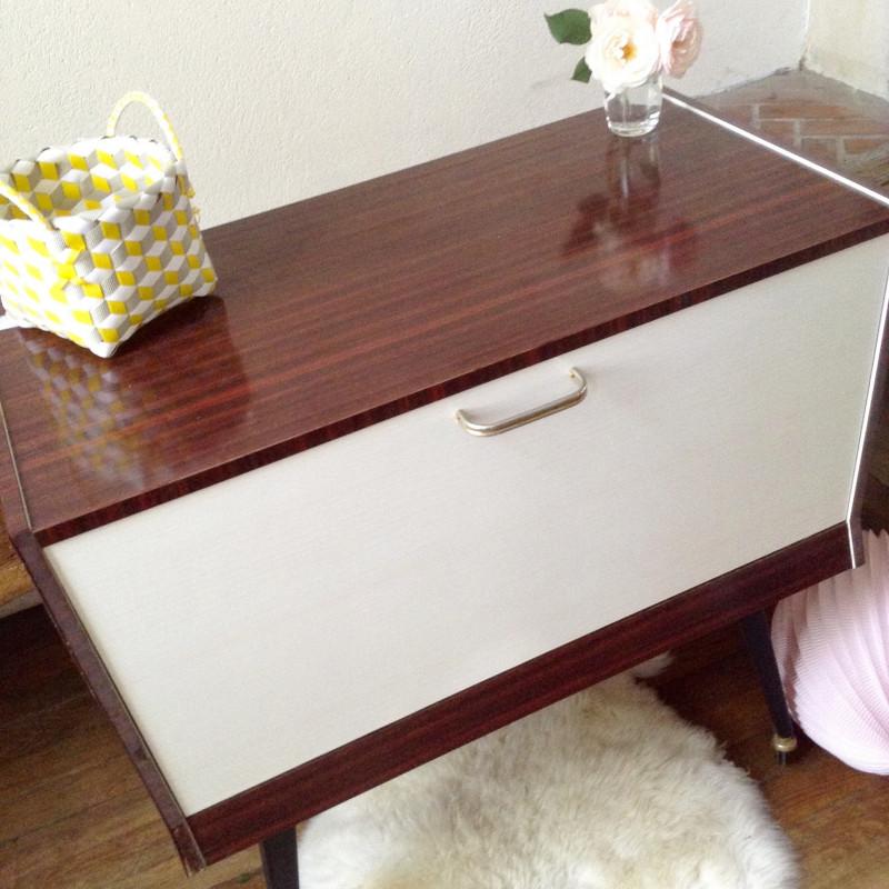 meuble bar poque 1950 1960 en plaquage laqu acajou avec. Black Bedroom Furniture Sets. Home Design Ideas