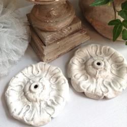 Ornement en Bronze Patine Blanc Grisé