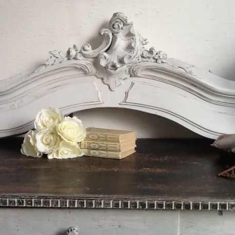 fronton ciel de lit ancien patine blanche. Black Bedroom Furniture Sets. Home Design Ideas