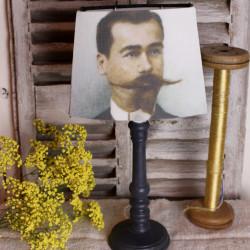 Lampe Patine Noir et son Abat-jour portrait dandy XIXe