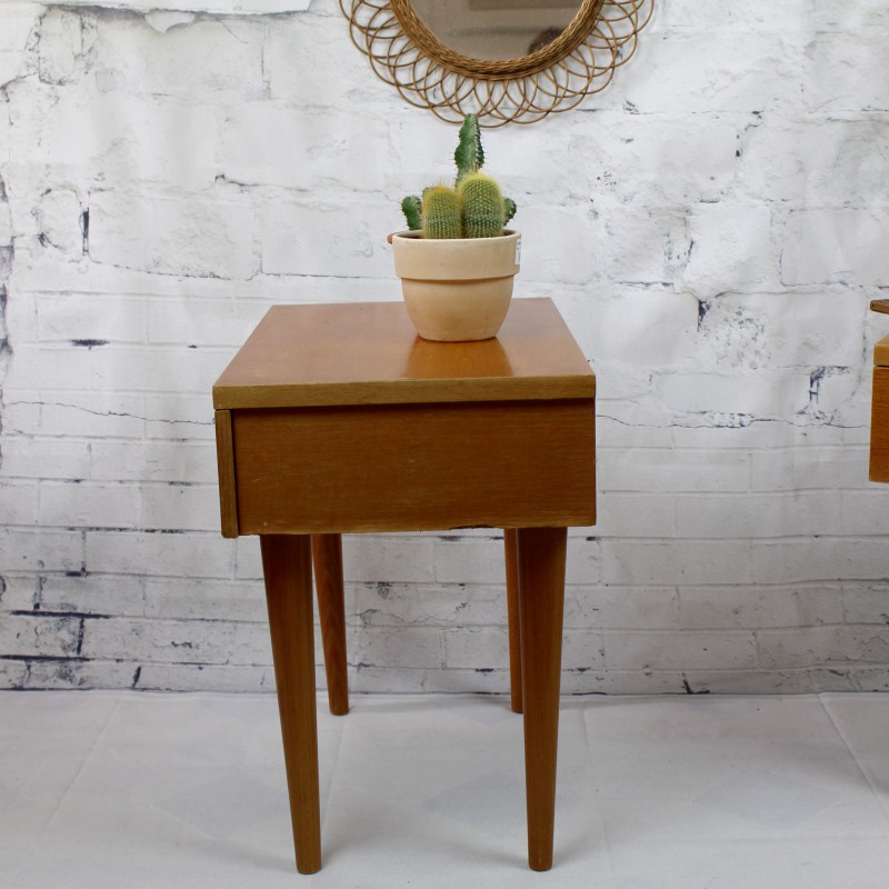 paire de chevet vintage poque 1950 1960 en bois blond avec tiroirs. Black Bedroom Furniture Sets. Home Design Ideas