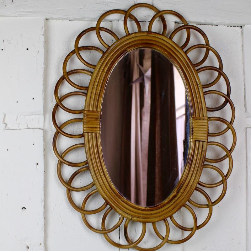 miroir ancien en rotin forme soleil fleur des ann es 1960. Black Bedroom Furniture Sets. Home Design Ideas