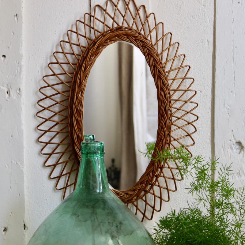 Miroir ancien en rotin forme soleil fleur des ann es 1960 for Miroir soleil osier