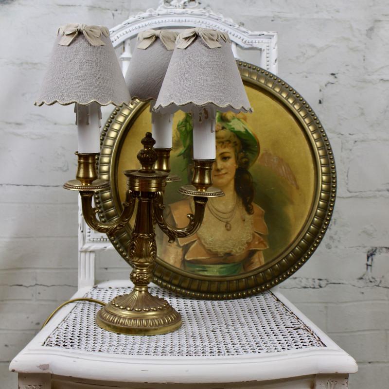 lampe chandelier bouillotte trois branches en bronze style louis xv. Black Bedroom Furniture Sets. Home Design Ideas