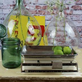 Balance de ménage blanche et chrome en metal, terraillon ou testud vintage 1970