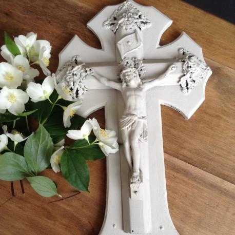 Crucifix Patiné Lin Clair