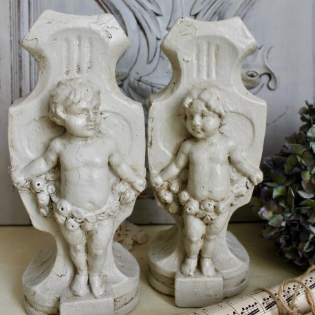 Paire de Vase Chérubins Blancs