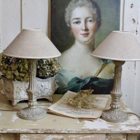 Paire de Lampes en Bois Sculpté Patine Vert de Gris