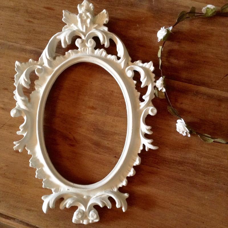 cadre baroque ancien ovale en r sine patine blanche de