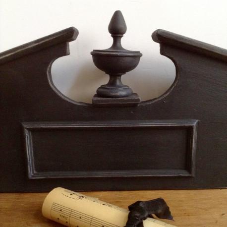 fronton ancien noyer bois style empire patine noire 19 me si cle. Black Bedroom Furniture Sets. Home Design Ideas