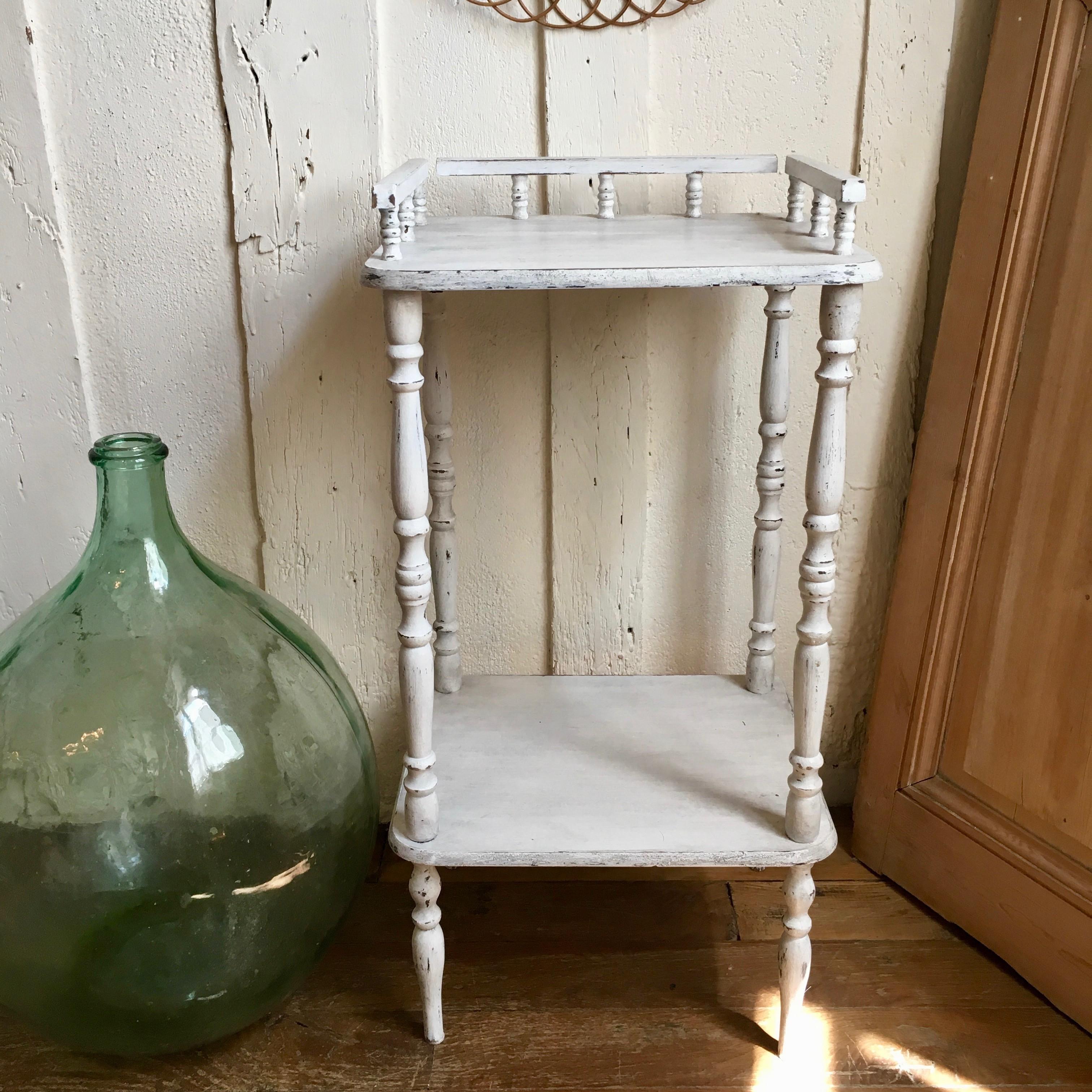 Patine Blanche Sur Bois console table de chevet en bois classique patine blanche