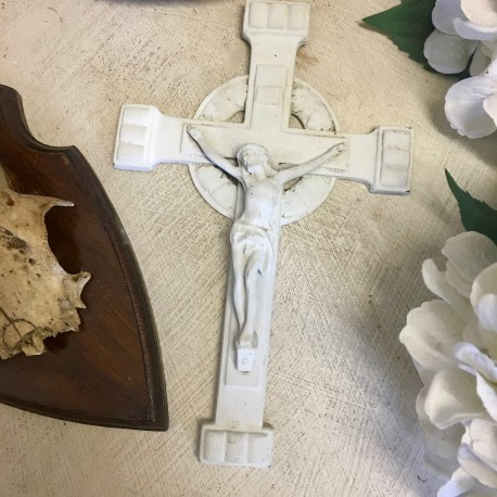 Crucifix Patiné Gris Blanc