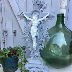 Crucifix Napléon IIII Gris et Blanc de Suède
