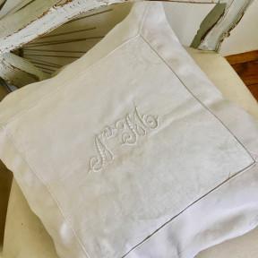 Coussin Monogramme Blanc