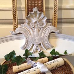 Fronton Style Louis XV Patine Blanc et Gris Nordique