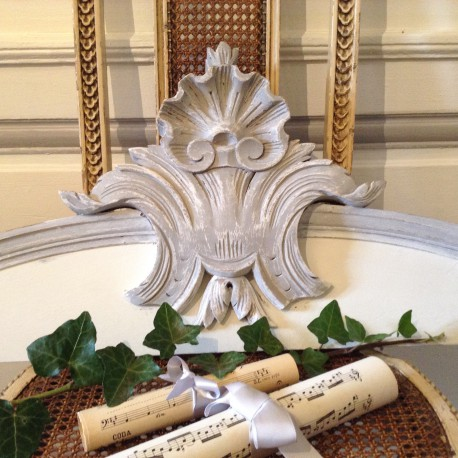 Fronton Style Louis XV patine Blanc Nordique