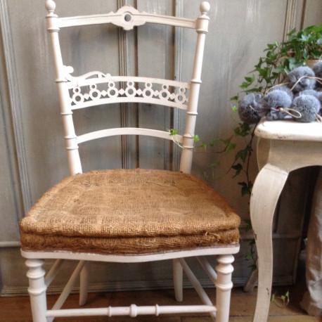 Chaise style Louis XVI patinée grise